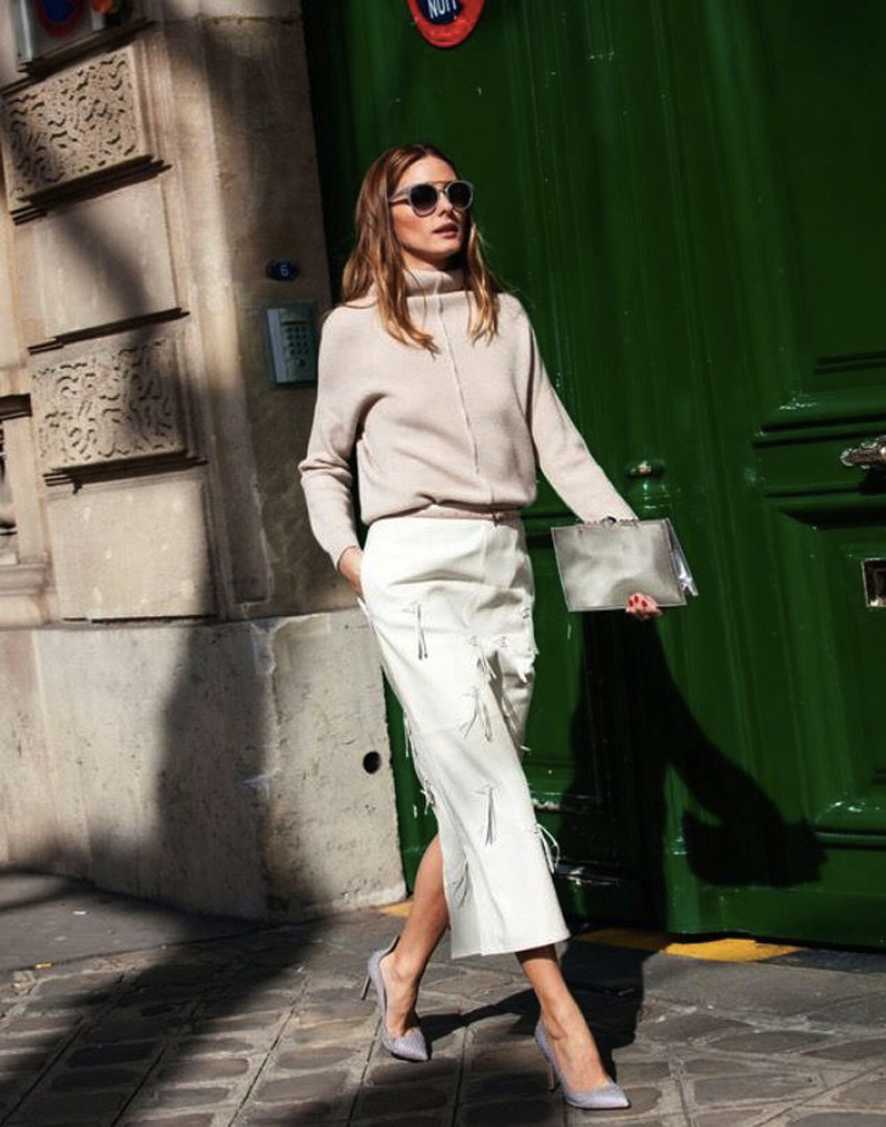 Img from Instagram.Olivia Palermo wearing beige culottes and high heels.